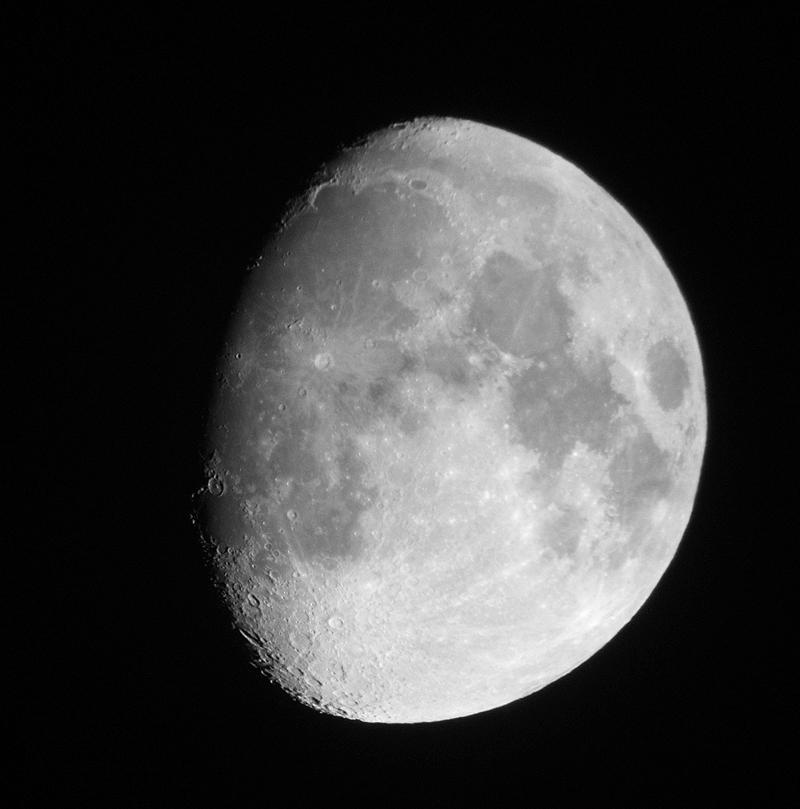 La Lune reste cependant plus aride que le plus désséché de nos déserts terrestres. Crédits : NASA.