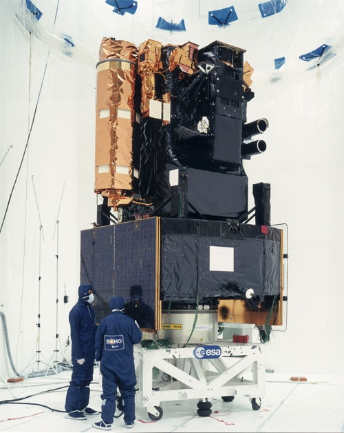 SOHO undergoes integration in 1995 in Toulouse. Credits: ESA.